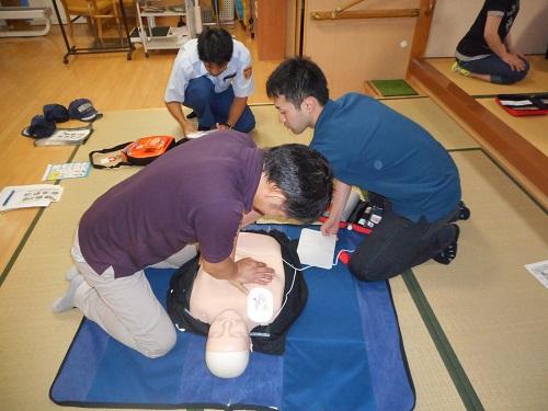 香紅の里 職員勉強会「心肺蘇生・AEDの使い方」