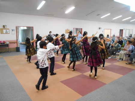 デイサービスセンターかがやき「キュートなダンス!~ラ・ダリア~」