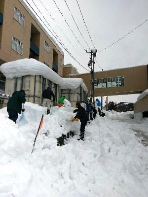 かがやきの丘・川西湖山病院「かがやき協力会排雪作業」