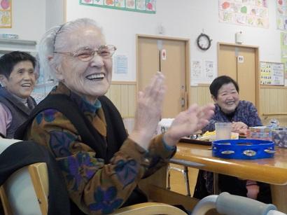 楓の家 今年の笑いおさめ ~大忘年会~