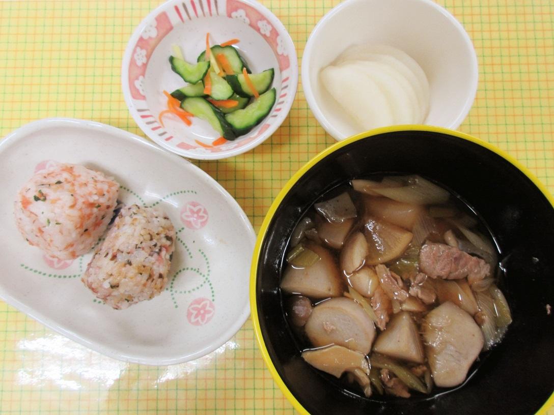 川西湖山病院 栄養科「9月のお楽しみメニュー~芋煮会🍲~」