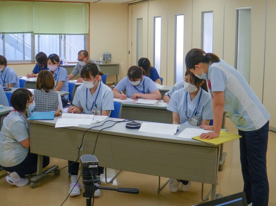 川西湖山病院 看介護部「3~4年目WEB研修」