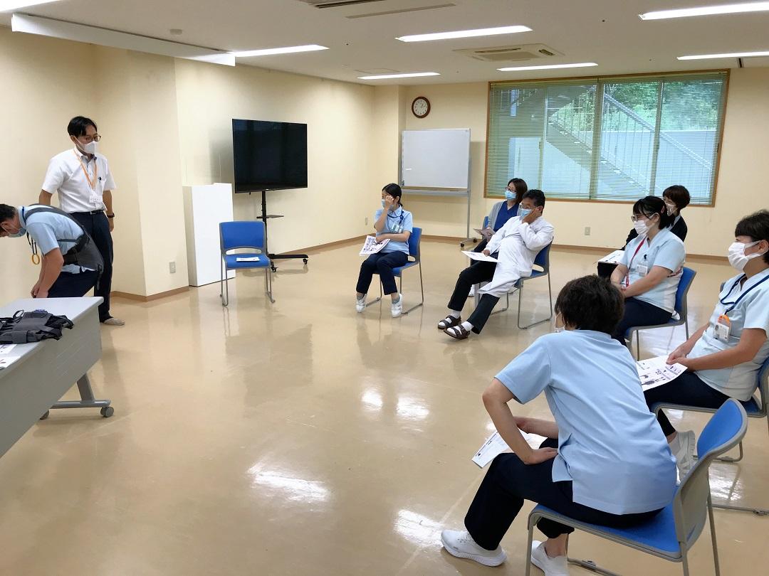 川西湖山病院 衛生委員会「腰痛予防対策~サポートジャケット説明会~」